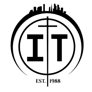 IT black logo